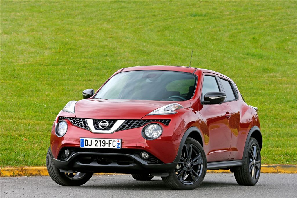 renault captur vs nissan juke le derby des crossover. Black Bedroom Furniture Sets. Home Design Ideas